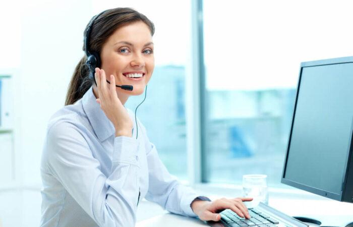 businesswoman-call-center-office (1)